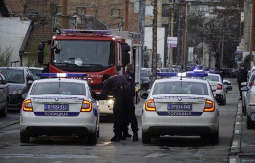 Beogradska ulica na METI BOMBAŠA: Pogledajte prve fotografije kafića na koji je bačena bomba (FOTO)