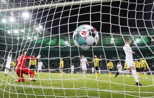 "Šestica na ""Borusija parku"": Mehengladbah ubedljivom pobedom prestigao Dortmund na tabeli"