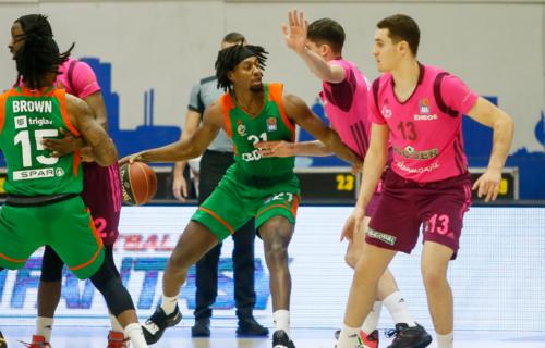 Korona opet napada: Otkazan derbi ABA lige zbog zaraženih košarkaša