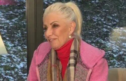Cakana govorila o detinjstvu na Kosovu, pa dodala: Imala sam malo VREMENA da budem MAMA na pravi način