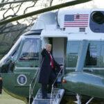 Tramp napustio Belu kuću! Održao kraći govor i ušao u helikopter