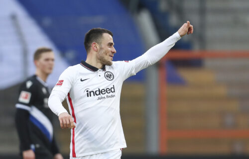Čak 18 golova u Bundesligi: Jović i Kostić vodili Frankfurt do pobede, Majnc iznenadio Lajpcig