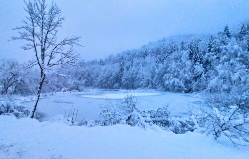 Proveli smo snežni vikend na OVOJ našoj planini - nema gužve a CENE su pristupačne! (FOTO)