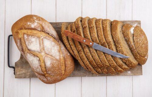 Ovo smo dugo čekali: Otkriven trik kako da hleb u kesi ostane što duže SVEŽ (VIDEO)