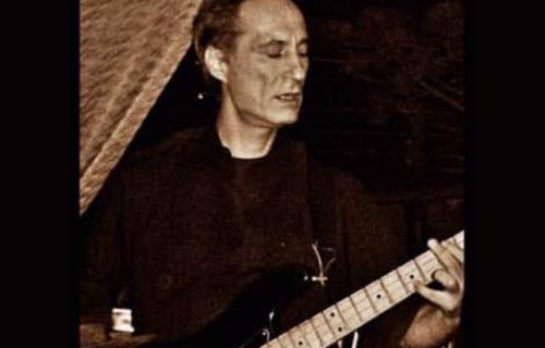 Preminuo najpoznatiji basista bivše Jugoslavije: Izgubili smo velikog muzičara