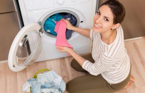 Ubacite nekoliko aspirina u mašinu za pranje veša, i spremite se za VELIKU promenu! (VIDEO)