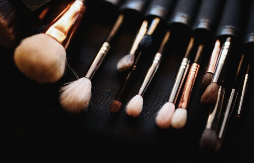 Ne pravite VELIKE greške: Kako se pravilno održavaju četkice za šminku i kada morate da ih promenite