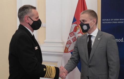 Jačanje poverenja i razumevanja: Stefanović se sastao sa komandantom Združenih snaga NATO u Napulju