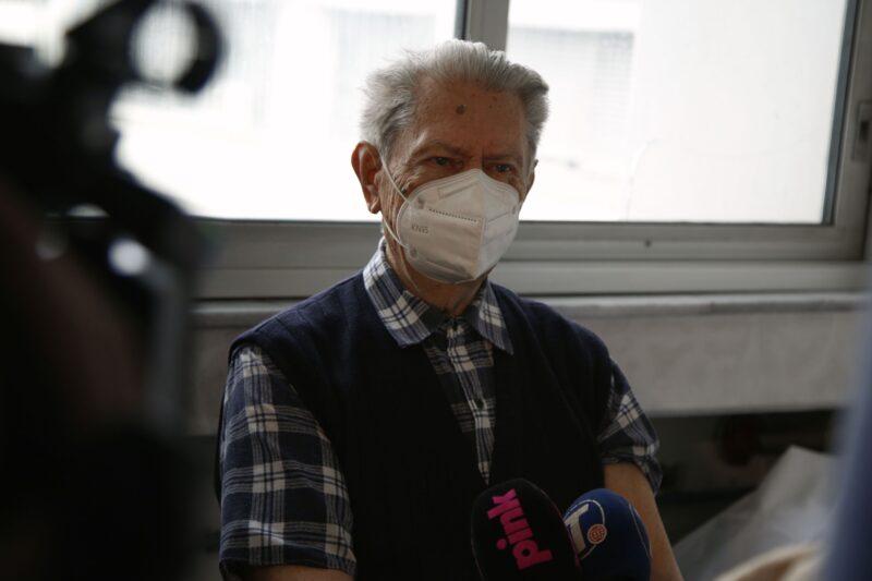Deka Vladislav (91) među prvima HRABRO zavrnuo rukav: Počela vakcinacija starijih od 75 godina (FOTO)