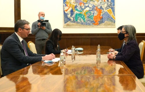 """Predsednik Vučić sa ambasadorkom Portugala: """"Srbija privržena svom evropskom putu"""" (FOTO)"""