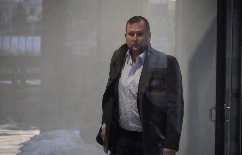 """""""Nije sve onako kako izgleda"""": Mikin advokat NAPUSTIO saslušanje, pa se obratio medijima"""