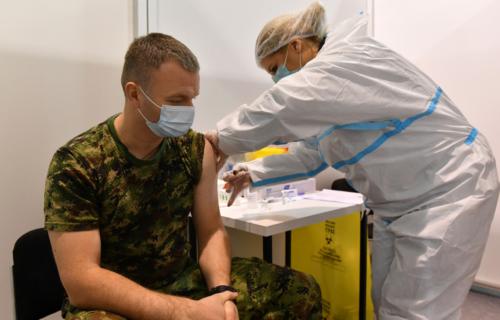 "Nastavlja se vakcinacija pripadnika Vojske Srbije: ""Želimo da sačuvamo njih i njihove porodice"""