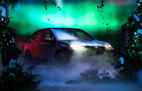 BMW iDrive 2021: Komunicira s vozačem i drugim kolima (VIDEO)