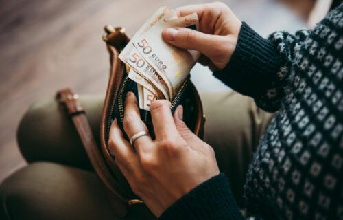 Objavljen kurs dinara: Evo koliko danas košta jedan evro
