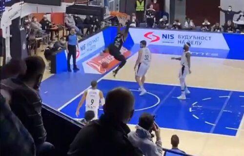 """Partizan pustio """"grobare"""" u dvoranu? Grmela pesma na kraju meča, bura zbog navijača na tribinama! (VIDEO)"""