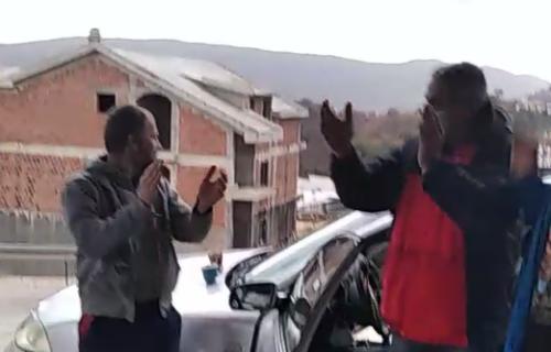 Ovako je izgledao BADNJI DAN u Crnoj Gori: Srbi se veselili i pevali pesme (VIDEO)