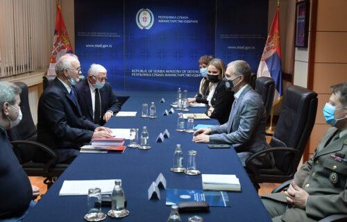Važan sastanak: Ministar Stefanović sa predstavnicima Udruženja penzionisanih podoficira (FOTO+VIDEO)