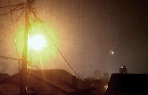 Građani Leskovca PRESTRAŠENI: Munje i grmljavina zaparale nebo, ljudi se setili starog narodnog verovanja