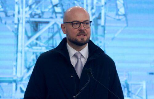 Direktor NIS kao car Selasije: Kirilu Tjurdenjevu samo za vilu na Dedinju iz budžeta 300.000 evra