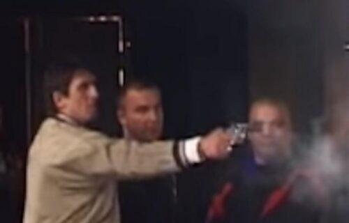 """Kristijan """"IZREŠETAO"""" čoveka u kafani i prevario PEVAČA: Da li se sećate ovog jezivog snimka? (VIDEO)"""