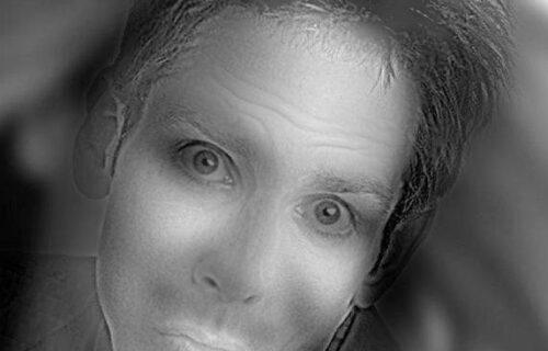 Oči vas varaju: Ovo lice se na slici SMEJE, a to možete da uočite gledajući ga na samo JEDAN način