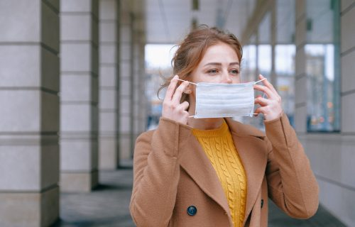 Vraćaju se maske i kovid propusnice: U Belgiji DRASTIČNO skočio broj novozaraženih