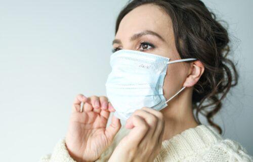 8 VELIKIH grešaka koje većina ljudi pravi u vezi sa nošenjem maski, proverite da li i vi grešite!