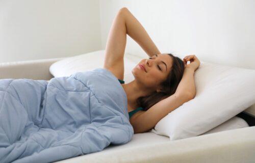 Čisti čaršavi, slatki snovi: Naučite kako da PRAVILNO operete posteljinu