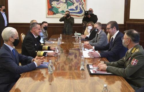 Održavanje mira i stabilnosti: Predsednik Vučić se sastao sa komandantom NATO-a, admiralom Burkom