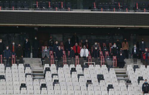 Turci gledali duhove na terenu: Malobrojni navijači nisu videli igrače, pogledajte zbog čega (FOTO)