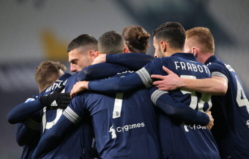 Sjajan meč u Torinu, Juventus slomio Sasuolo: 4 gola, dve povrede i crveni karton!