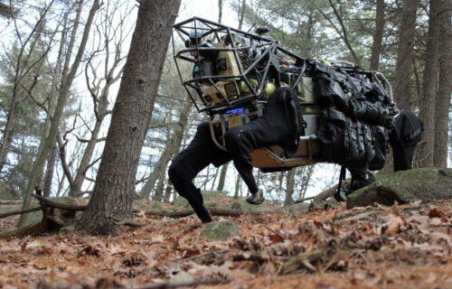 Živi mišići umesto šrafova: Borbeni roboti kao Terminatori (VIDEO)