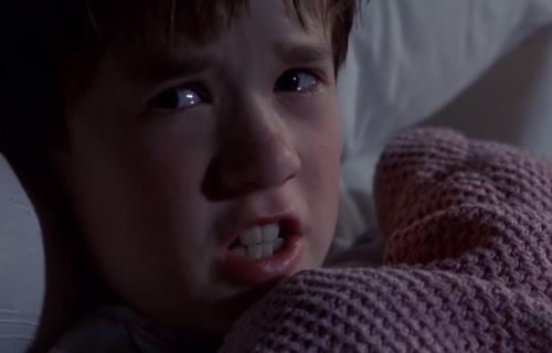 """Sećate li se dečaka iz filma """"Šesto čulo""""? Imao je urnebesnu ulogu u seriji """"The Boys"""" (VIDEO)"""
