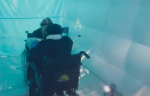 """Otvorena jedinstvena """"soba za ZAGRLJAJE"""": Evo zašto danas ceo svet priča o njoj (VIDEO)"""