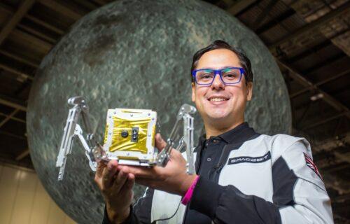 """Britanija šalje """"pauka"""" na Mesec: Njegov zadatak je da istraži pećine (VIDEO)"""
