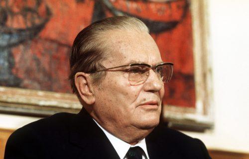 Tito tražio da mu sviraju USPAVANKU: Kad su krenuli, spustio je cigaretu, izustio 2 REČI i iznenadio sve