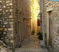 Velike padavine srušile ZID: Urušio se deo bedema Starog grada u Ulcinju