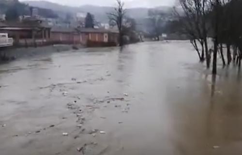 Reke napravile HAOS, poplavile kuće, odnele mostove: Proglašena VANREDNA SITUACIJA u još jednoj opštini