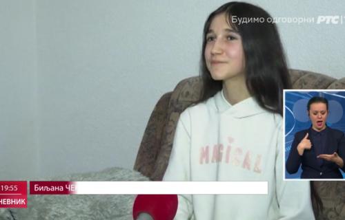 """Zvezda serije """"Dara iz Jasenovca"""" u Podgorici: Biljana Čekić sa ocem posetila grob mitropolita Amfilohija"""