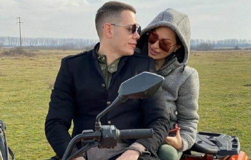 Ovako Ceca i Bogdan uživaju na Zlatiboru: Par se opušta uz kamin, vatricu i ROMANTIČNI film (VIDEO)