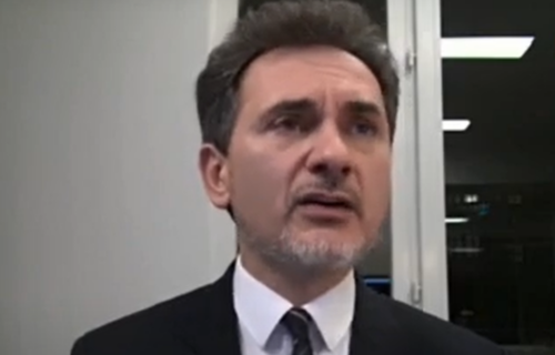 Neverovatan blam Božidara Đelića: Misli da je na spomeniku DUŠAN SILNI, a ne Stefan Nemanja!? (VIDEO)