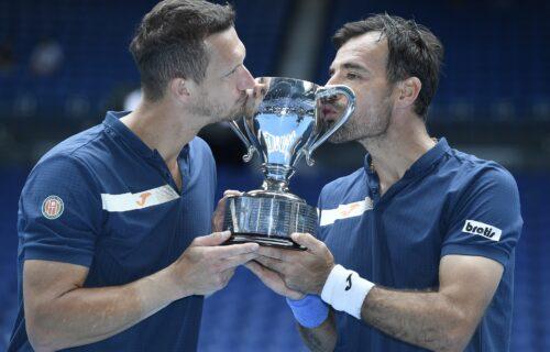 Četvrti Hrvat koji je podigao trofej u Melburnu: Dodig i Polašek šampioni u dubl konkurenciji (FOTO)