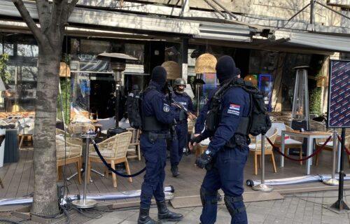 """Šta je pronađeno tokom PRETRESA """"Kasine""""? Policajci napustili klub Ace Bosanca (FOTO+VIDEO)"""