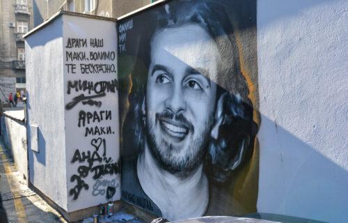 Osvanuo MURAL Marinku Madžgalju u Beogradu: Prijatelji i porodica odali počast legendarnom glumcu (VIDEO)