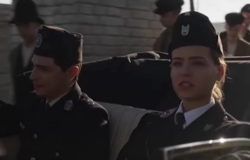 """Nada Šakić mahnito puca na DEVOJČICU: Ko je u STVARNOM životu DŽELAT sa kraja filma """"Dara iz Jasenovca""""?"""