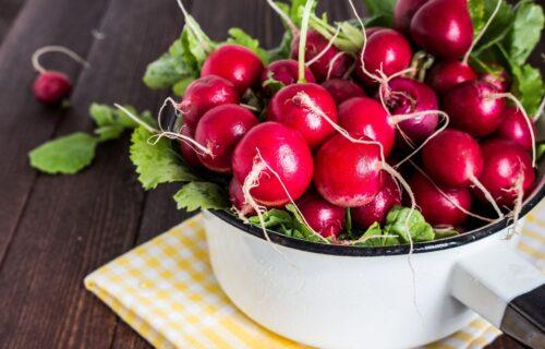 Čuvaju jetru, jačaju imunitet i pomažu kod mršavljenja: 5 razloga zašto češće morate da jedete ROTKVICE