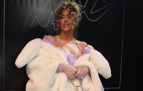 Senidah izašla pred publiku, a nakon njenog obraćanja usledio je VRISAK: I ja sam GEJ (VIDEO)