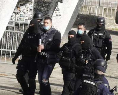 Goksiju sekli glavu SEKIROM, sve to snimali telefonom: Jezivi detalji Veljinog kriminalnog klana