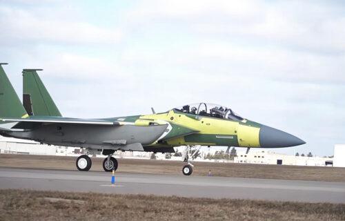 Digitalni lovac: Ubojiti F-15EX spreman za akciju (VIDEO)