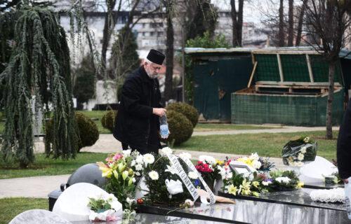 Bol ne jenjava: Održan pomen Nebojši Glogovcu, porodica i prijatelji neutešni (FOTO)